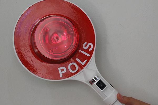 polis dur geç işaretçisi